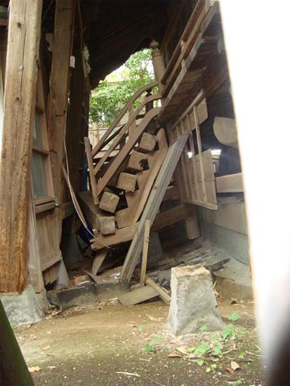 震災直後神殿(3)